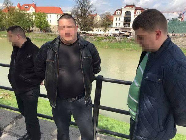 На Закарпатье на взятке задержали трех работников ДФС, среди которых руководитель управления внутренней безопасности