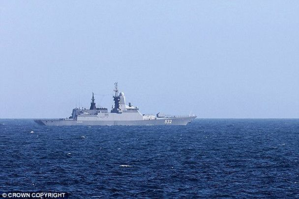 """Два російські військові кораблі """"заблукали"""" біля берегів Великої Британії"""