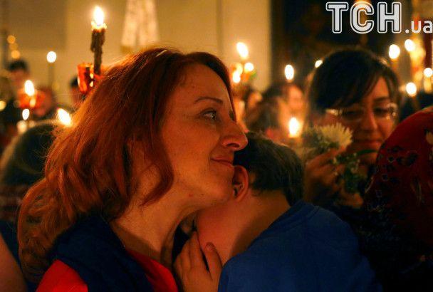 Reuters показало виходи політиків і обряди християн до Великодня в різних країнах світу