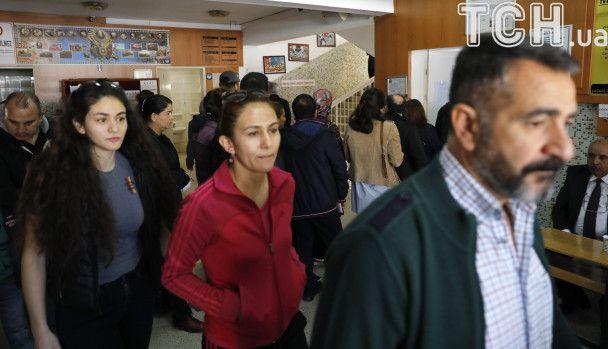 Туреччина зробила вибір: дільниці для голосування на референдумі закрили