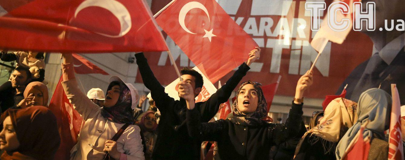 У Німеччині політики закликають припинити переговори про вступ Туреччини до ЄС