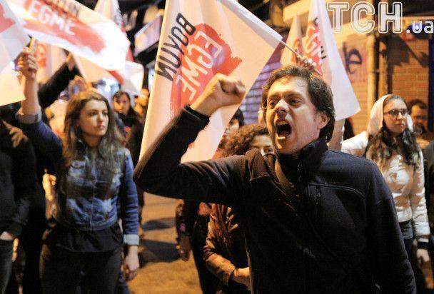 Каструлі і сковорідки: у Туреччині протестують проти результатів референдуму