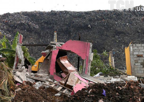 Масштабний зсув сміття у Шрі-Ланці: кількість загиблих під завалами стрімко зростає