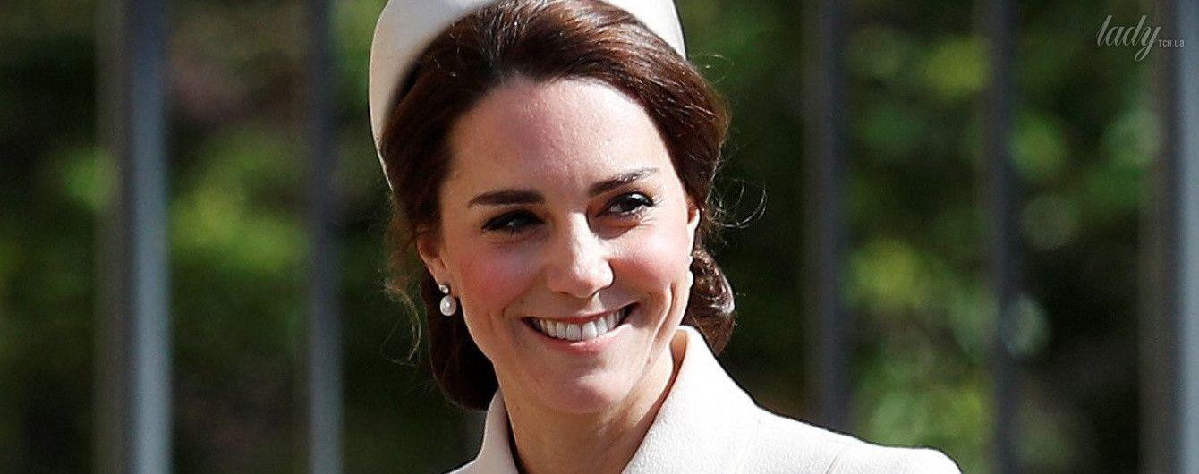Светлый образ в светлый праздник: герцогиня Кембриджская на пасхальной службе в часовне Св. Георга