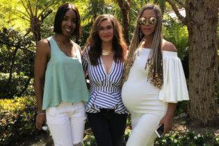 Мама беременной двойней Бейонсе показала дочку с огромным животиком