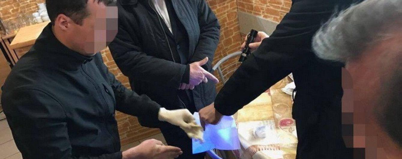 Заступник гендиректора Львівського аеропорту погорів на хабарі