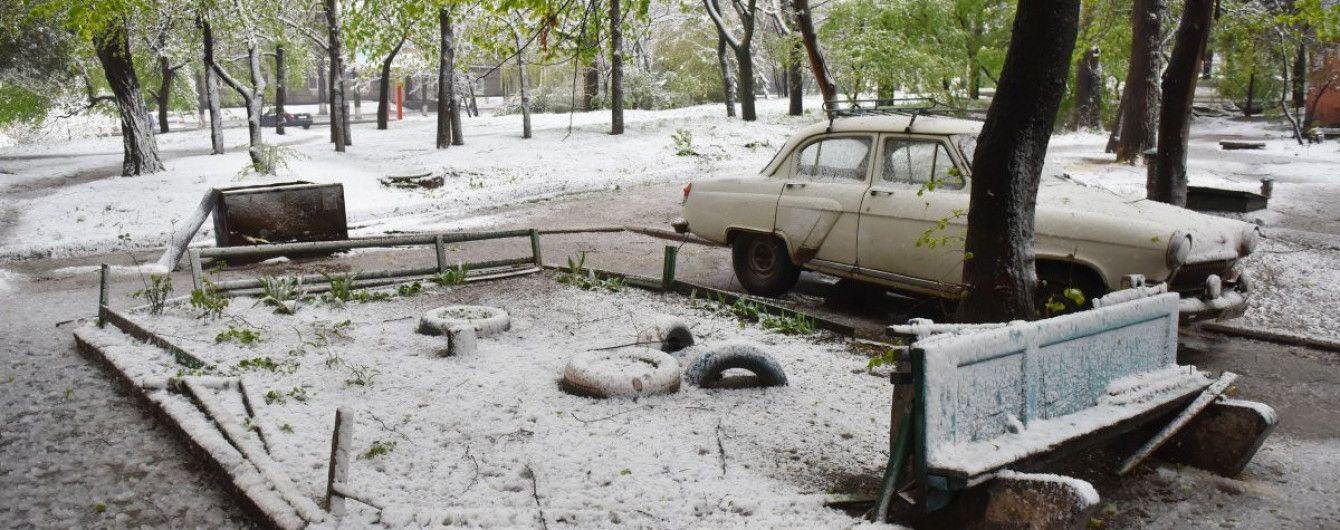 Сніговий армагедон у Запоріжжі: частина мешканців залишились без світла, у школах зупинили навчання