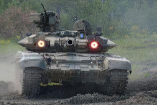 """Бойовики """"ІД"""" похизувались захопленим російським танком"""