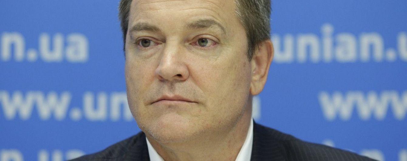Екс-регіонал Колесніченко заявив, що його колишню дружину виманили з Криму шантажем