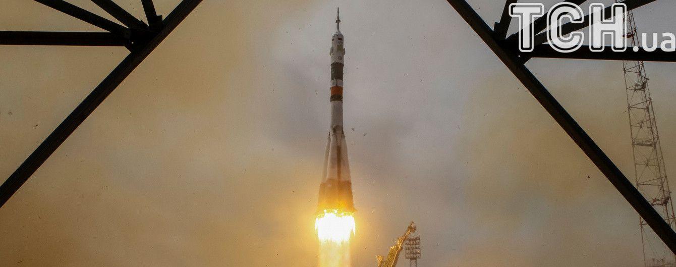 """Корабель """"Союз"""" пристикувався до космічної станції"""