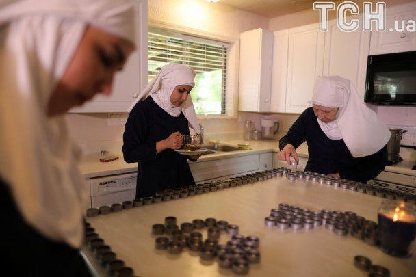 """Косяки, мазі і марихуана: Reuters показало, як монахині в США вирощують """"травичку"""""""