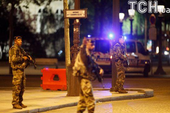 У французькій поліції не вважають стрілянину біля мечеті в Авіньйоні терактом