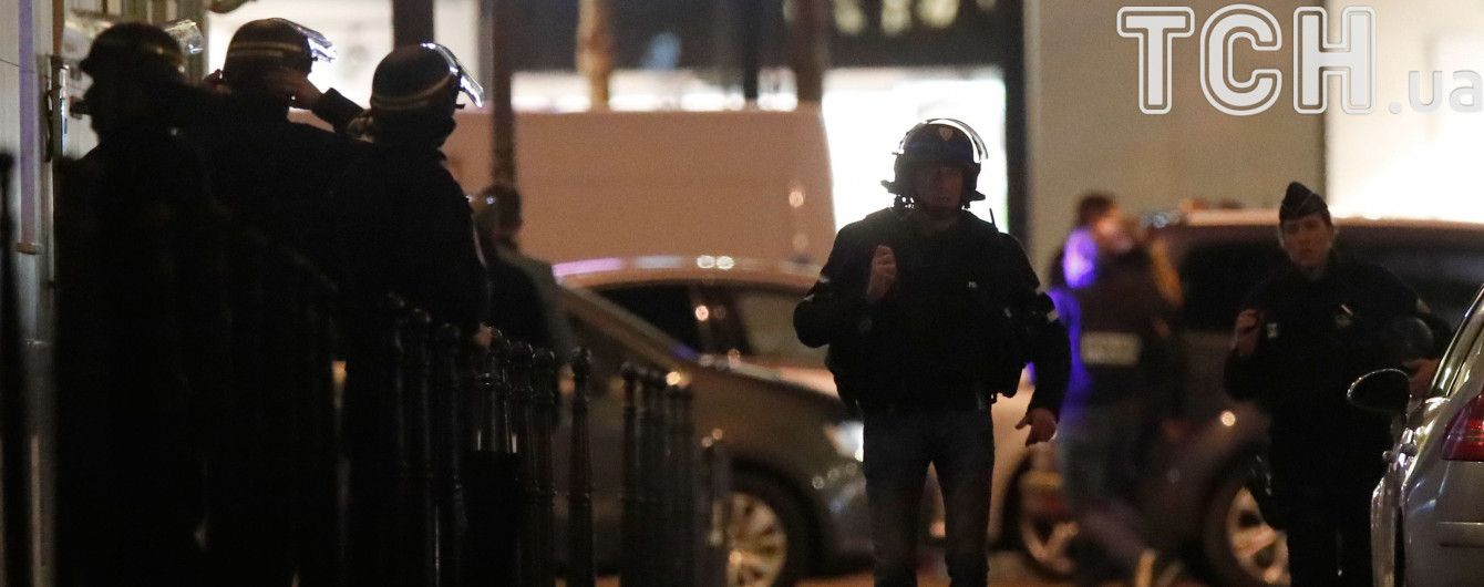 В Париже неизвестный бросил в ресторан коктейль Молотова, есть пострадавшие