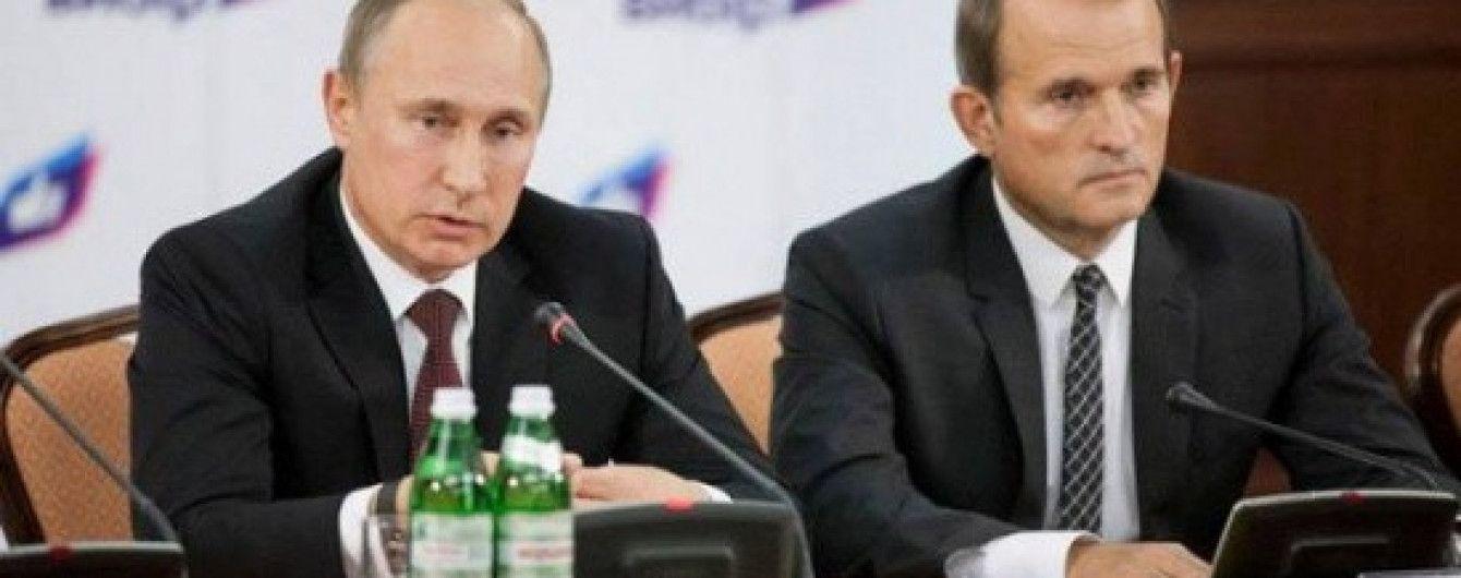 Путин обсудил с Медведчуком второй этап освобождения заложников на Донбассе