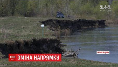 Через зміну русла Десни на Чернігівщині може впасти автомобільний міст