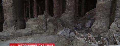Міську владу Києва змусять повернутися до знахідок на Поштовій площі