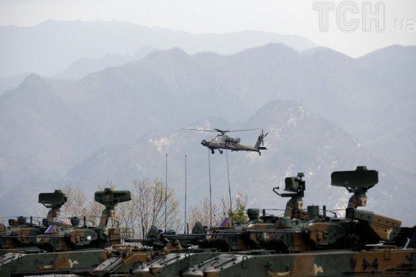 Бои танков и запуски ракет. Южная Корея провела совместные учения с США на границе с КНДР