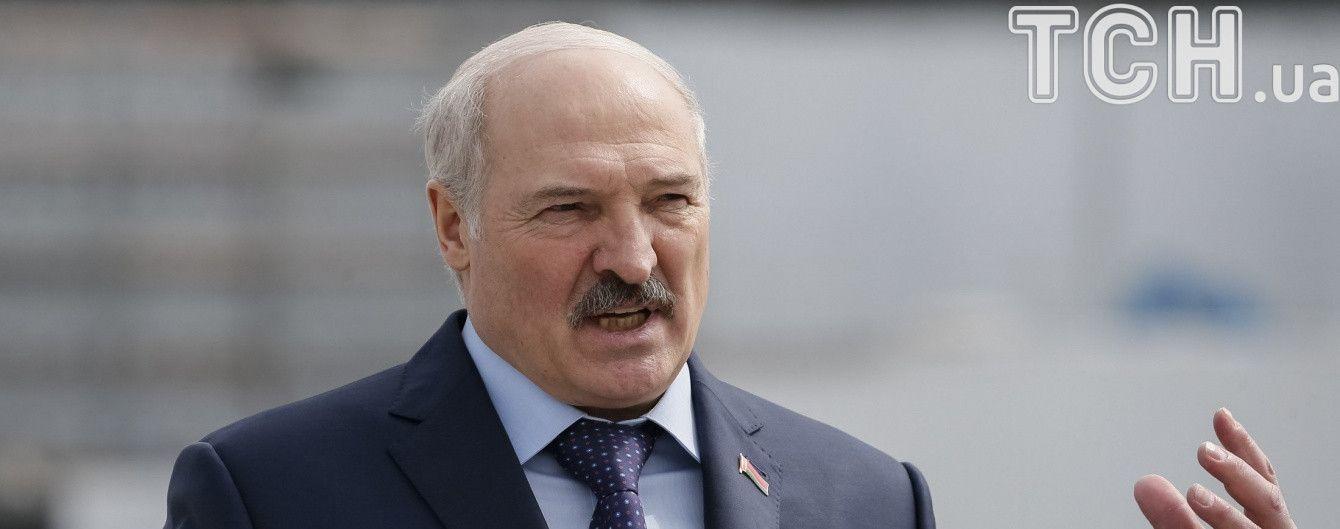 Лукашенко виступив проти перенесення переговорів щодо Донбасу з Мінська