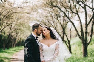 Трогательная невеста: в Сети появилось видео со свадьбы Джамалы
