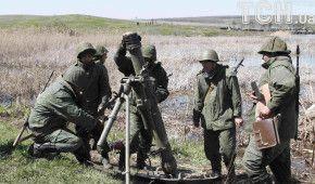 Неспокійна ніч на Донбасі. Бойовики стріляли по всіх напрямках, один військовий загинув