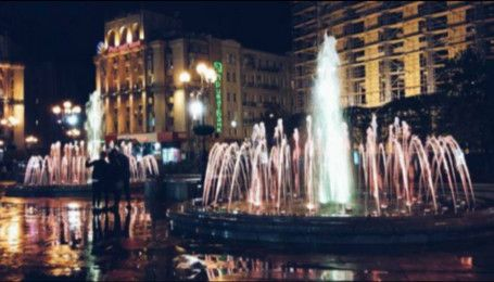 В столице запустили музыкальные фонтаны
