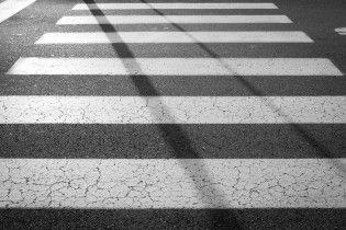 Пандуси, ліфти, звукові сигнали: від осені пішохідні зони підлаштують під людей з інвалідністю
