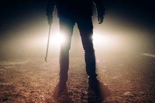 На Николаевщине полицейские с битами и клюшкой для гольфа пытали мужчину, заставляя признаться в краже