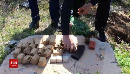 На Одещині правоохоронці знайшли схованку з боєприпасами