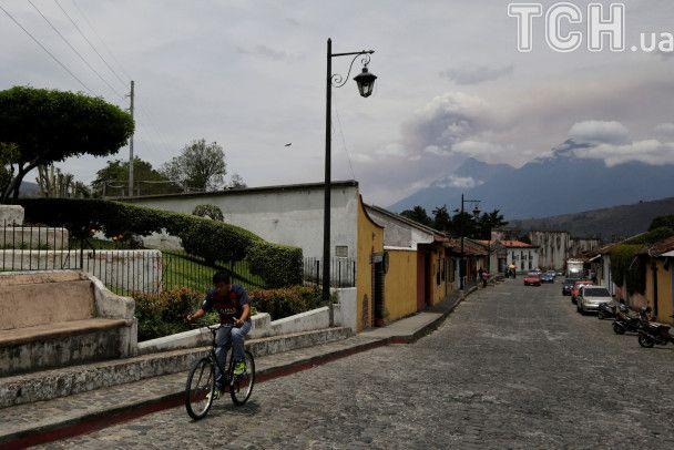 Reuters показало фото виверження одного з найактивніших вулканів у Гватемалі
