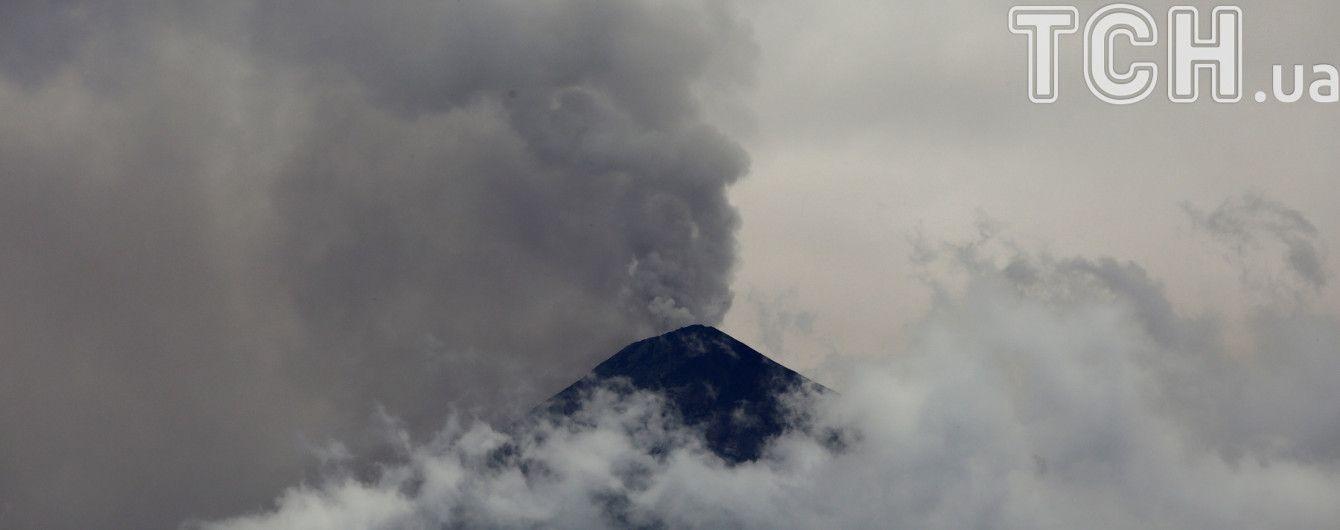 В Японії стартувало потужне виверження вулкану