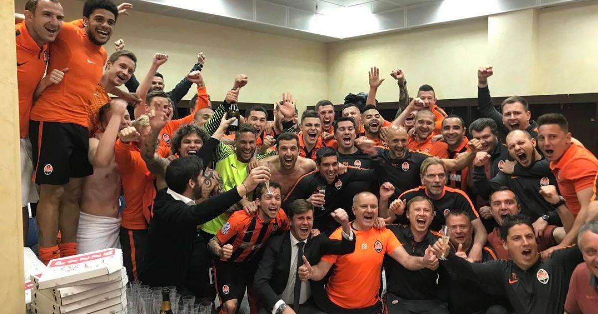 """Шахтар"" завоював десяте чемпіонство України. @ instagram.com/darijosrna/"