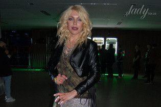 """Звезды в EuroClub: Дива Монро в камуфляжном платье, """"НеАнгел"""" Слава в блестящих колготках"""