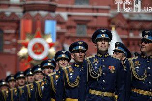 Хизування винищувачами і маршируванням: генеральна репетиція параду у Москві до 9 травня у фото