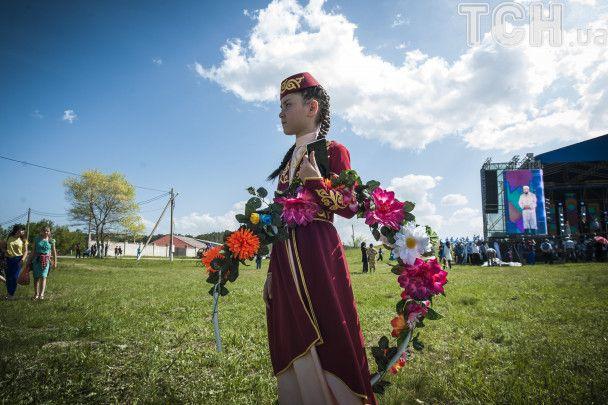 С ОМОНом и Аксеновым: прокремлевские марионетки устроили крымскотатарский праздник на полуострове