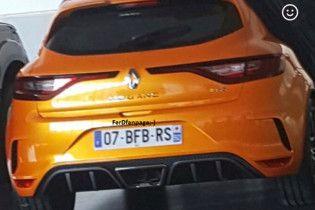 В Сети появилось фото нового Renault Megane RS