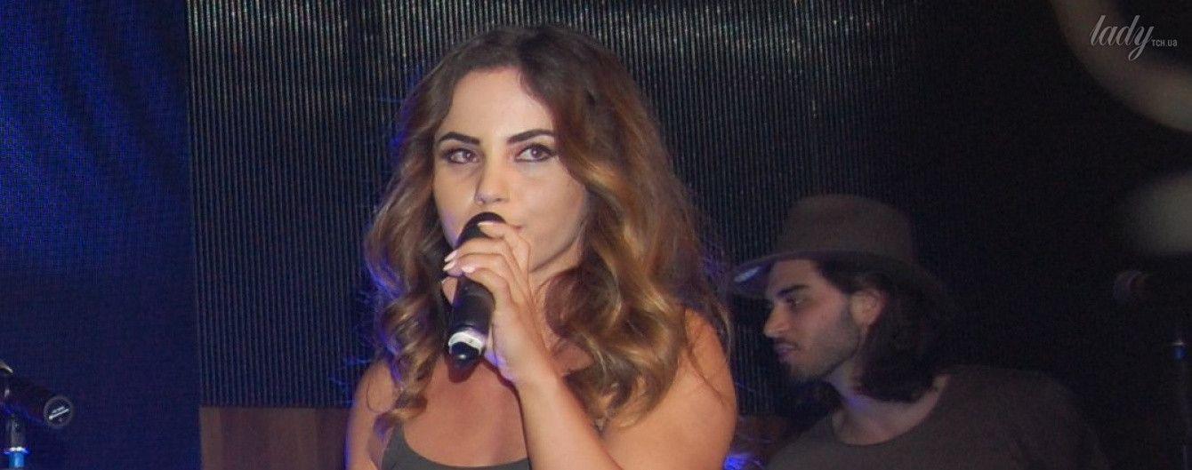 """""""Евровидение-2017"""": конкурсантка из Албании Lindita в мини-платье продемонстрировала сексуальную фигуру"""