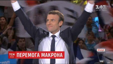 Франция проснулась с новым самым молодым в истории президентом