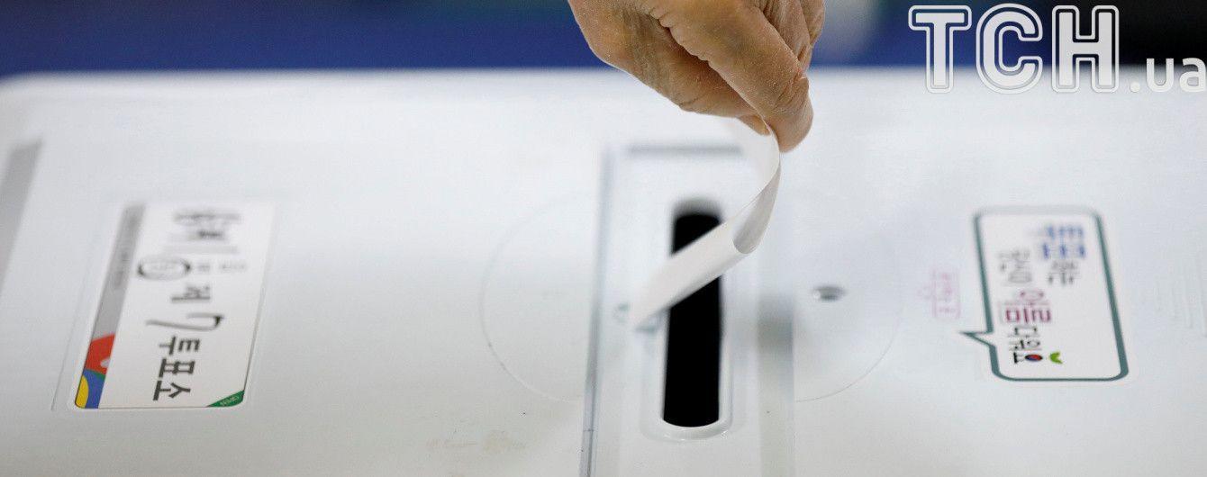 В Южной Корее после коррупционного скандала выбирают нового президента