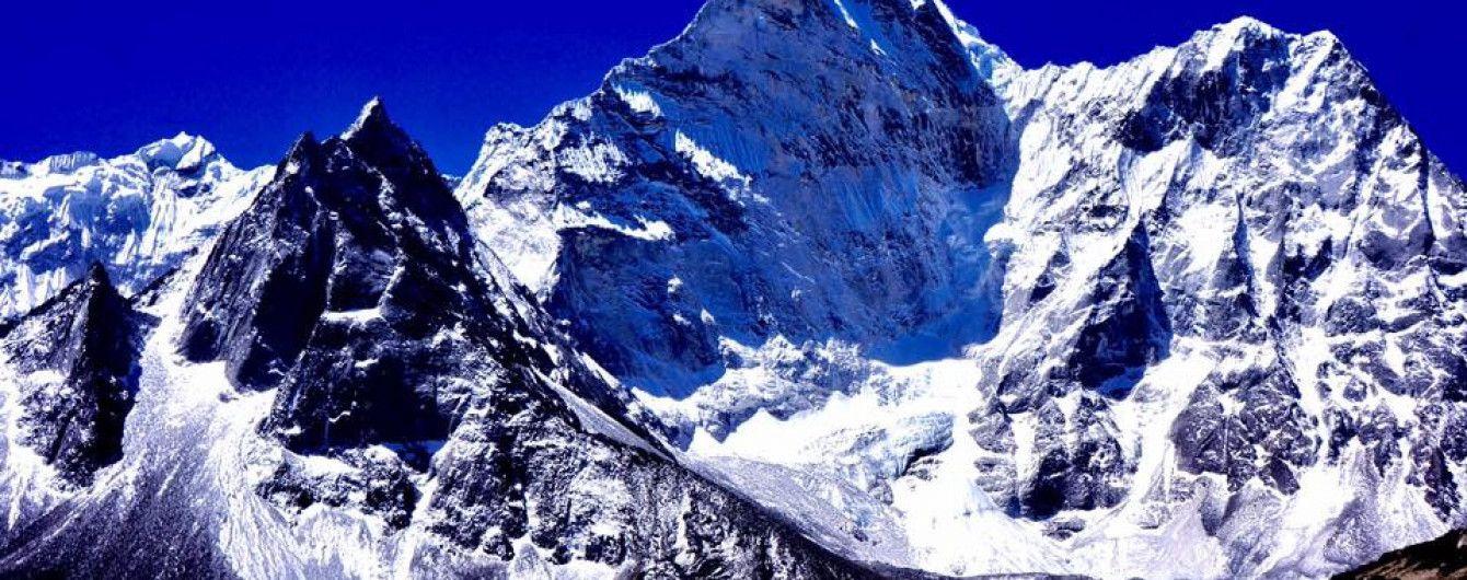 На французский горнолыжный курорт сошла лавина, есть погибшие
