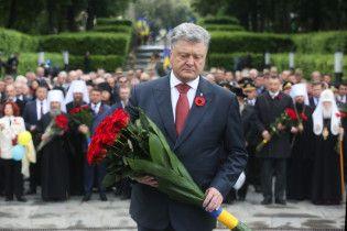 """""""Мы нарастили мышцы и стали сильнее"""". Порошенко заверил в победе Украины в войне"""