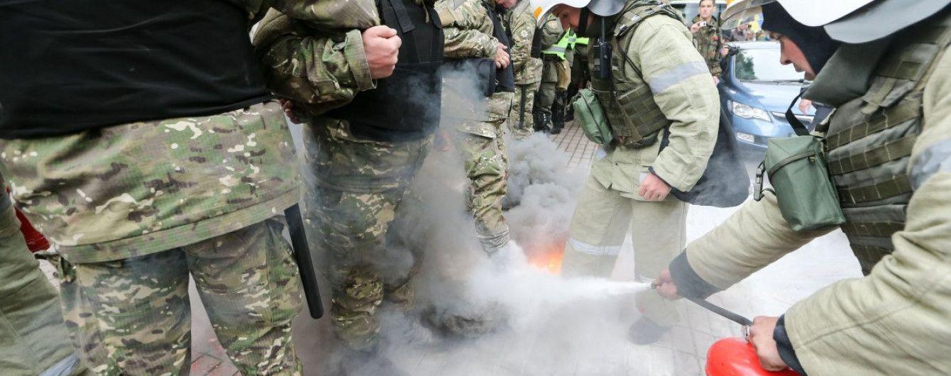 У сутичках 9 травня постраждали вісім правоохоронців