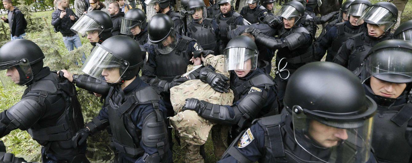 19 дел, 89 задержанных, 40 раненых: в полиции отчитались о 9 мая