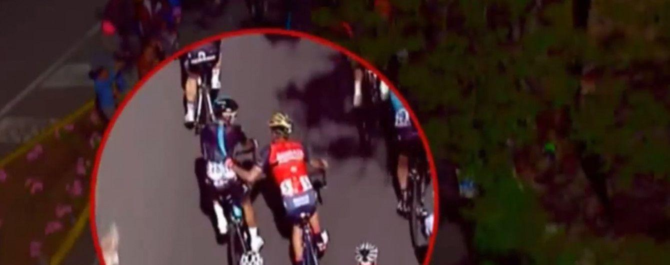 Испанского велогонщика отстранили от Джиро д'Италия за агрессию против соперника