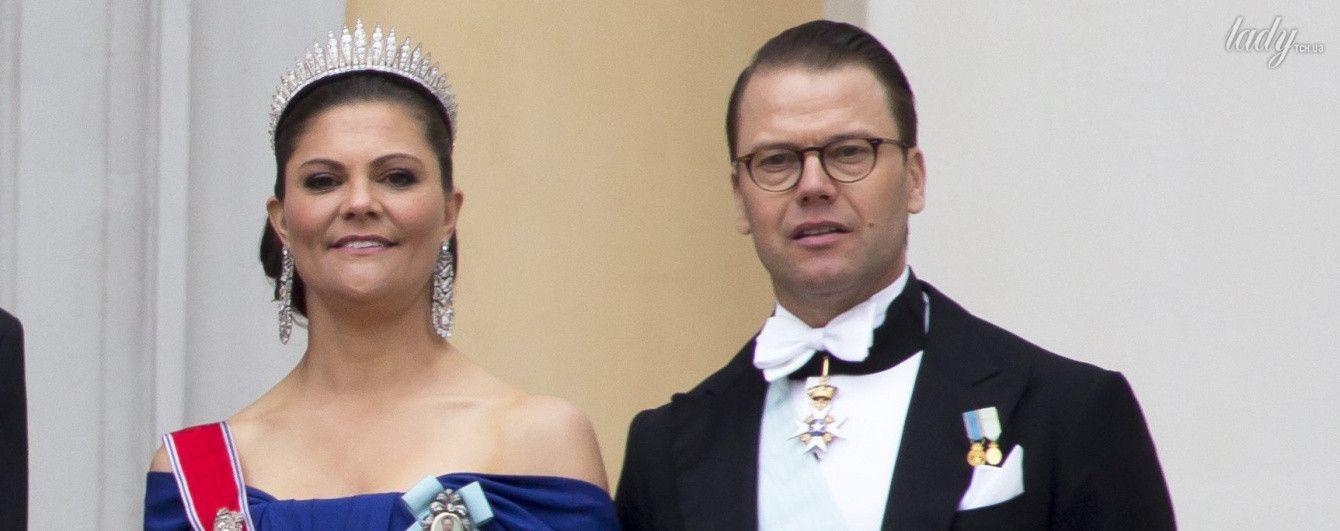 Принцесса Швеции Виктория приехала на торжественное мероприятие в платье с открытыми плечами