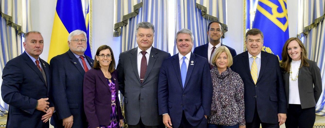 Порошенко с американскими конгрессменами обсудили укрепление обороны Украины
