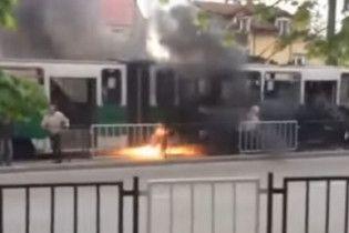 Во Львове прямо во время движения загорелся отремонтированный трамвай