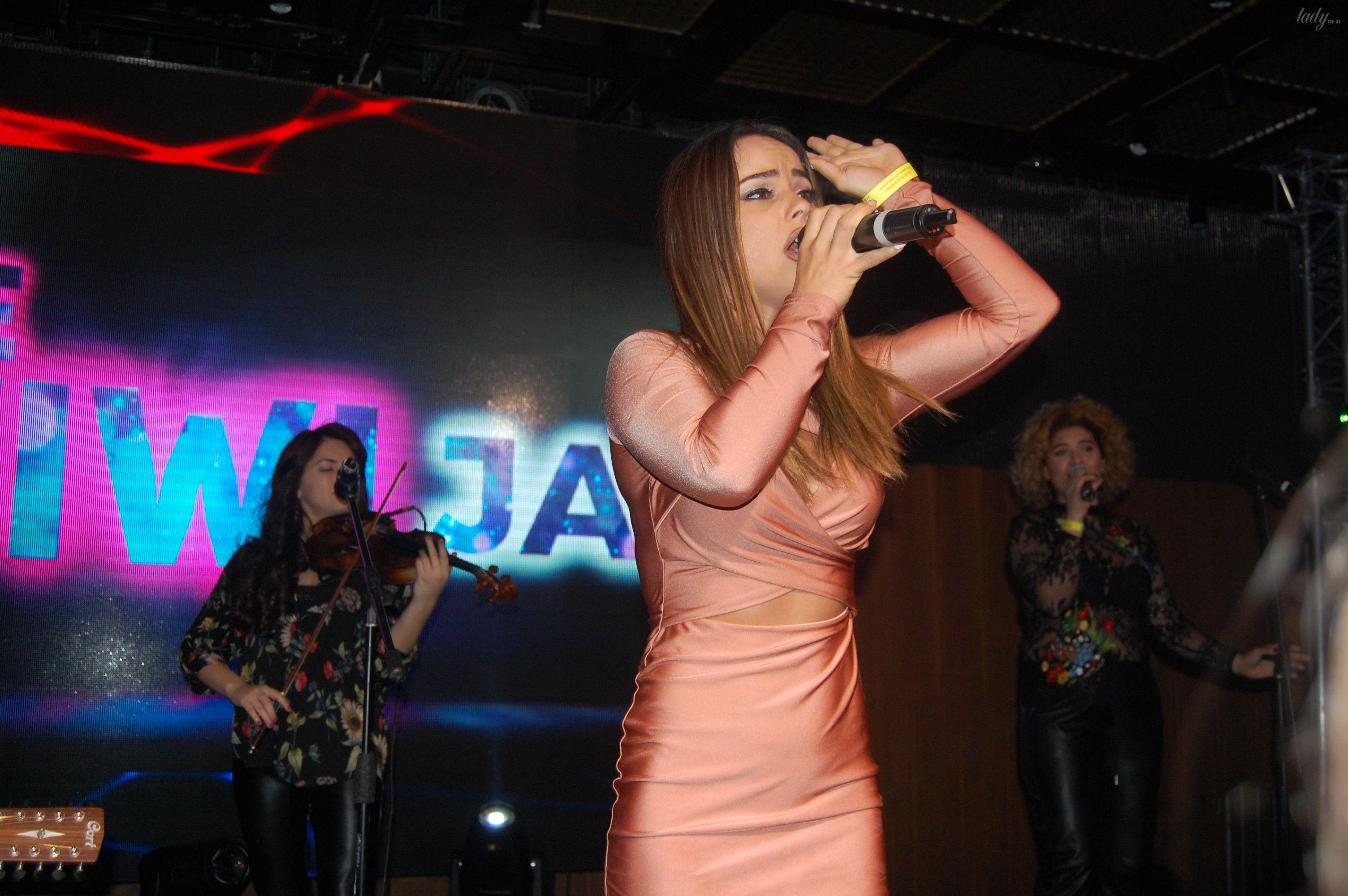 "Конкурсантка ""Евровидения-2017"" из Албании Lindita_10"