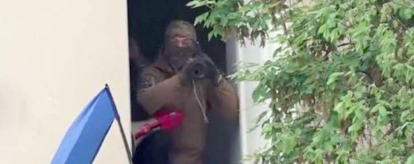 В МВД обнародовали видео с активистом в Киеве, который 9 мая целился в людей из гранатомета