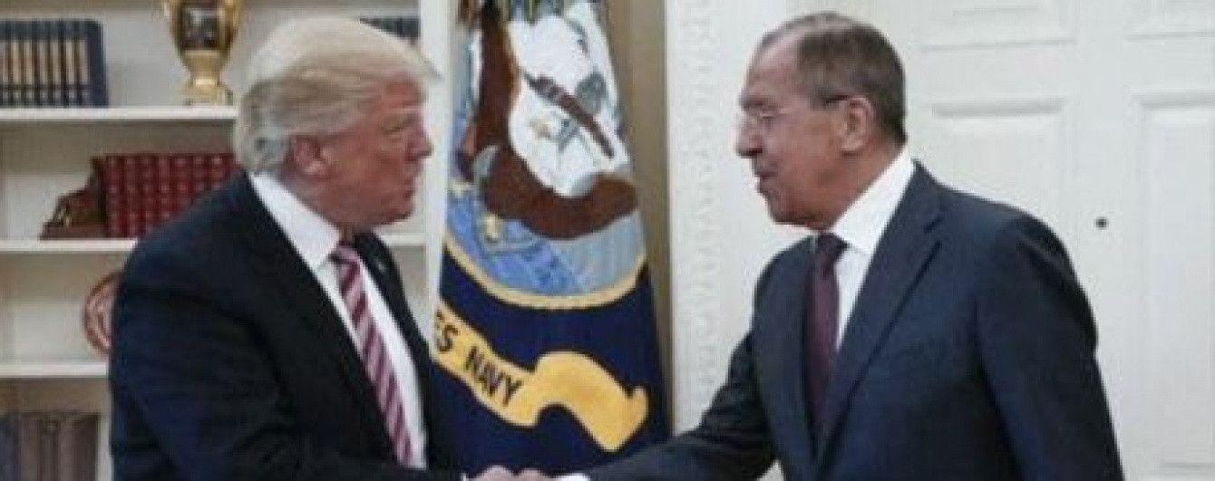 В США разгорелся скандал из-за российского фотографа, которого Лавров провел на встречу с Трампом