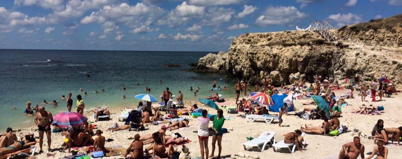 """В оккупированном Севастополе закрыли пляж, на котором снимали фильм """"Человек-амфибия"""""""